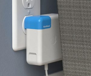 Read more about the article Side Facing Apple Charger Plug