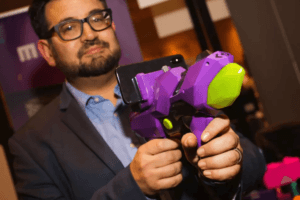 Read more about the article Merge's AR toy gun, the 6DoF Blaster