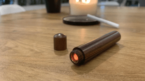 Read more about the article Flamer Windproof Gas-Free Lighter uses a built-in battery for power